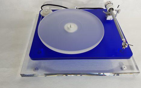 Custom made acrylic isolation platform